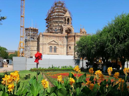 Iglesias de Echmiadzin y sitio arqueológico de Zvartnots (Unesco). Armenia