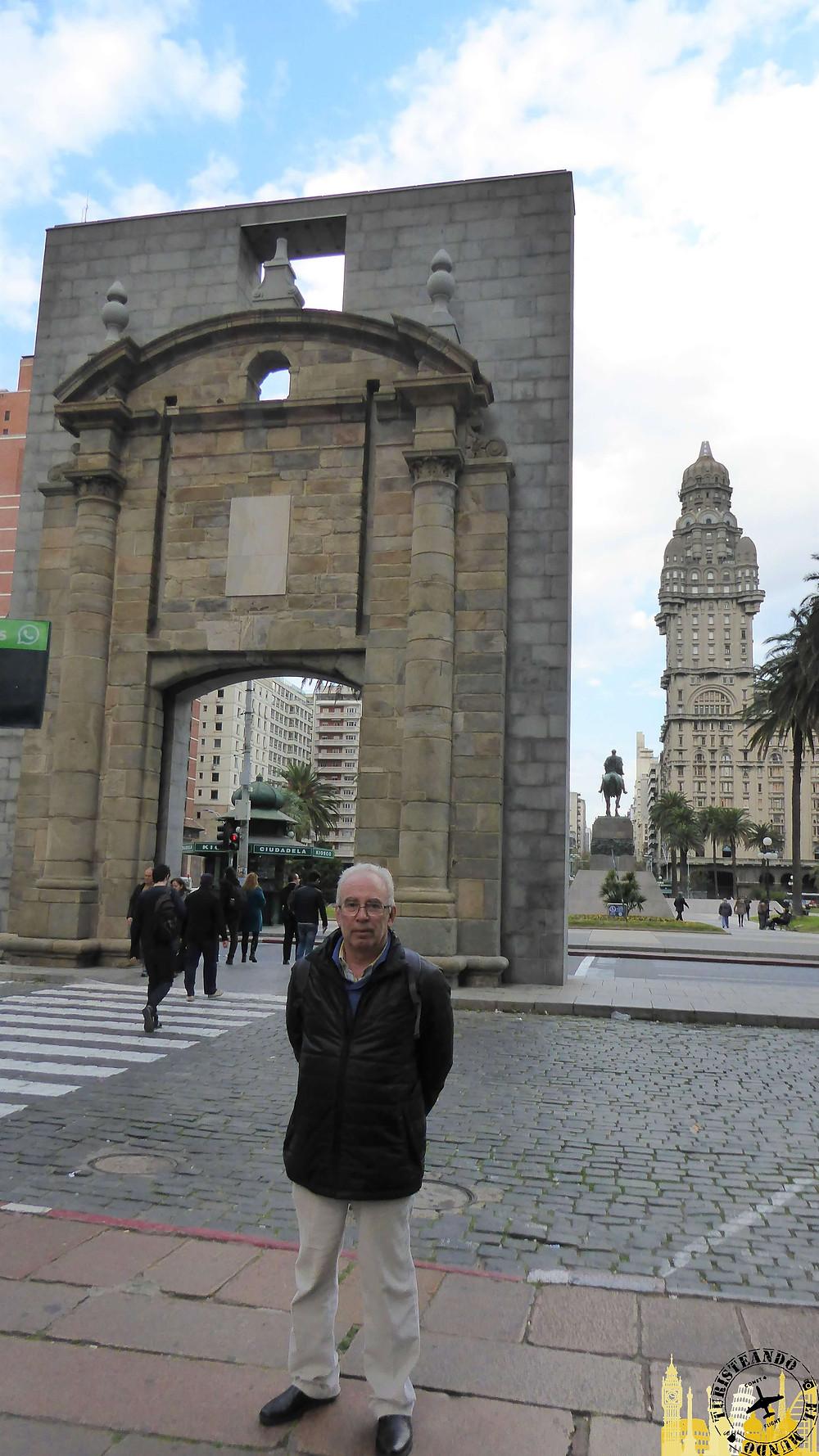 Purta de la Ciudadela. Montevideo (Uruguay)