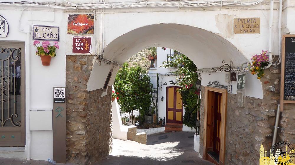 Puerta de la ciudad de Mojácar (Almería). España