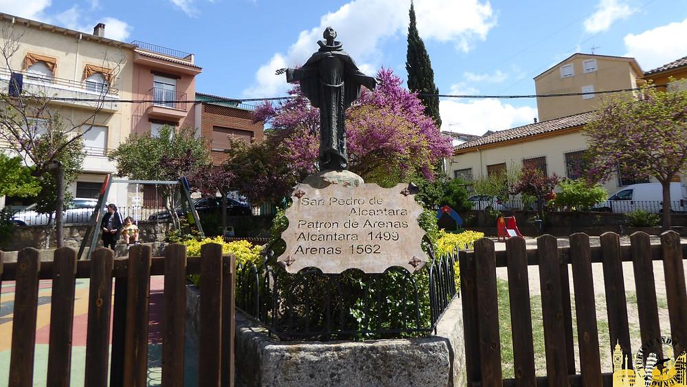 Arenas de San Pedro (Ávila). Estatua S. Pedro de Alcantara