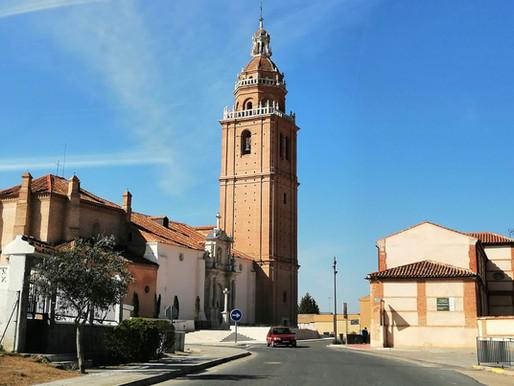 Matapozuelos con la Giralda de Castilla y Olmedo con el parque del mudéjar. Valladolid