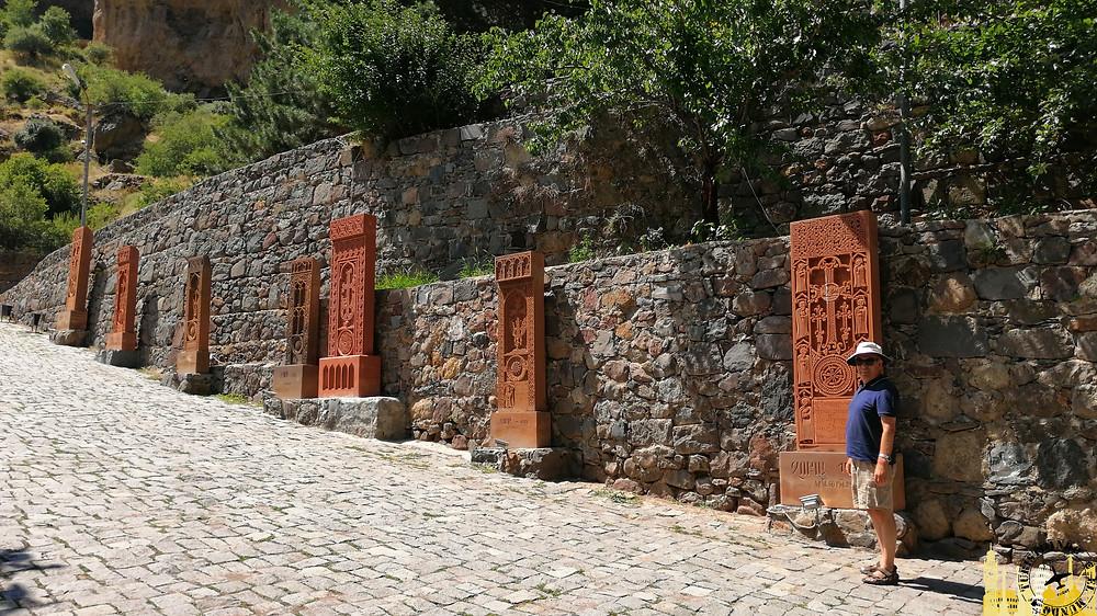 Acceso a Monasterio de Geghard (Armenia)