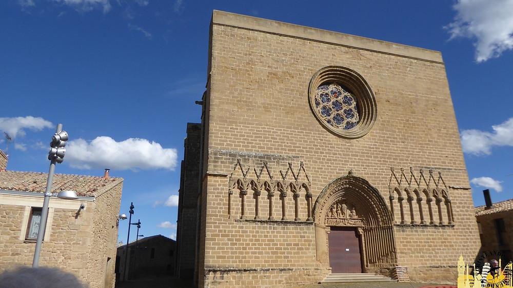 Cerco de Artajona (Navarra). Iglesia San Saturnino