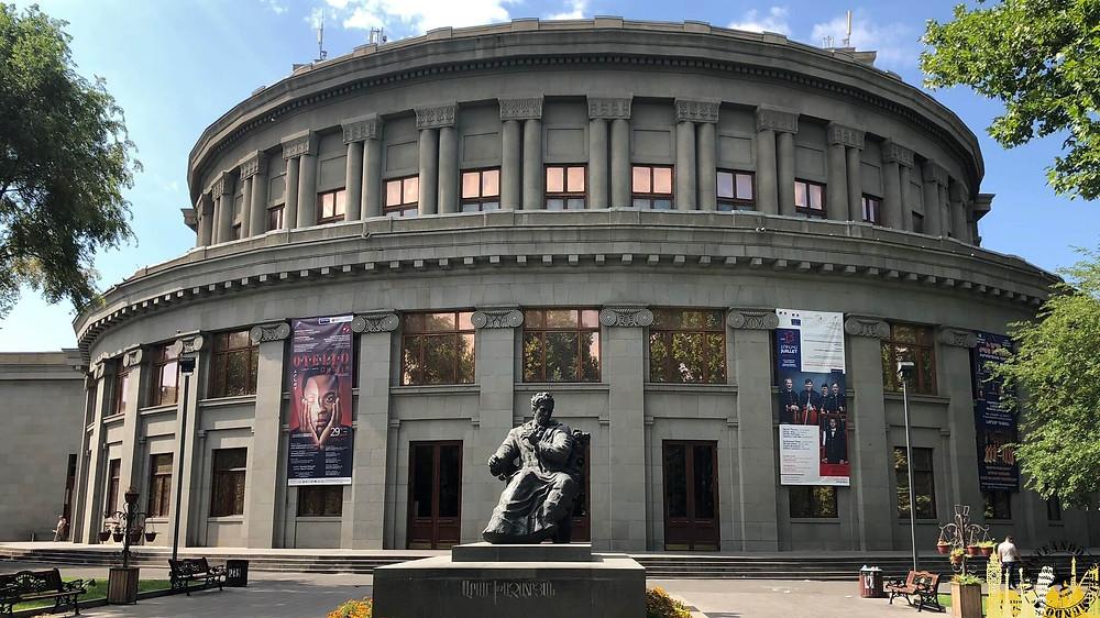 Edificio Ópera Ereván