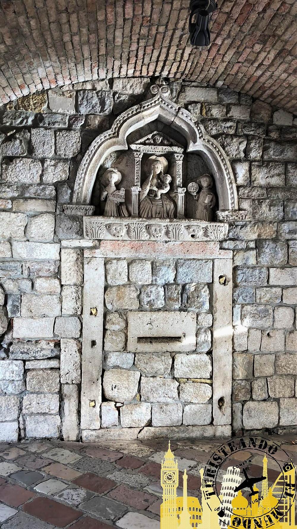 Kotor (Montenegro). Puerta del Mar