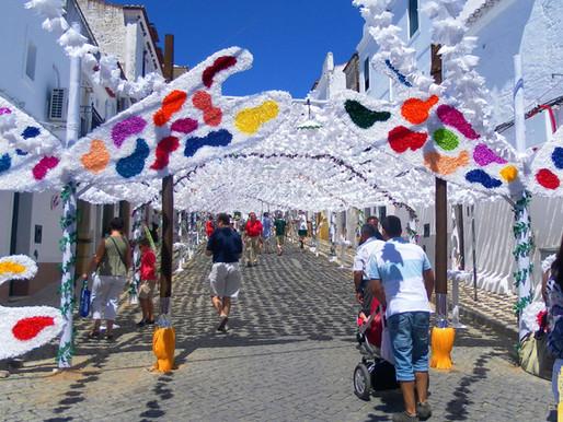 Fiestas de Campo Maior (Portugal). El color del papel
