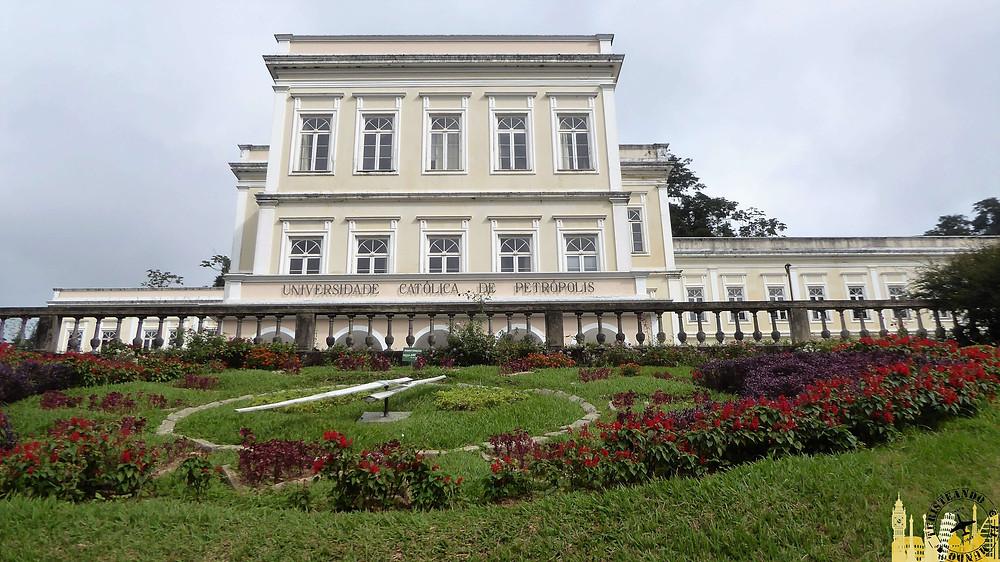 Universidad y reloj de flores, Petrópolis (Brasil)
