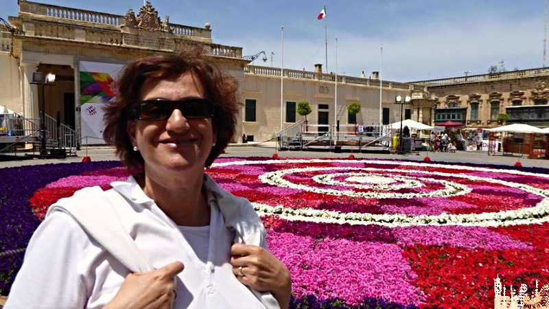 Plaza con flores (La Valeta)