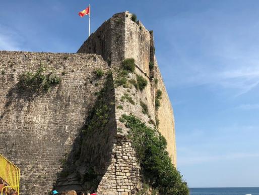Budva, costa adriática de Montenegro.