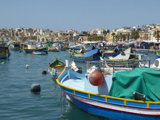 Malta, sus pueblos y visita al Hipogeo (UNESCO).