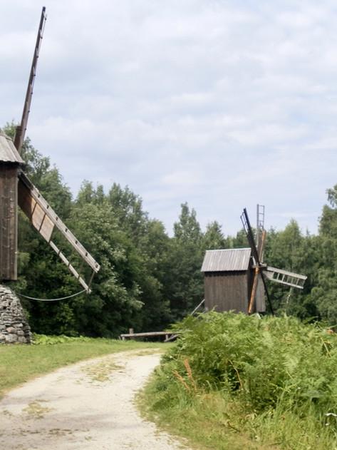 """Ruta del Ámbar. Tallin y  Pueblo-Museo etnográfico al aire libre """"Rocca al Mare"""" (Estonia)"""