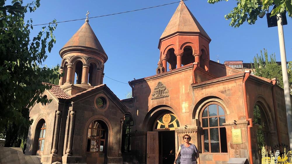 Iglesia Zoravor Surp. Ereván