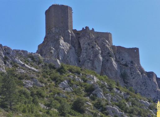 Castillo cátaro de Queribús( L.I. Unesco).Francia