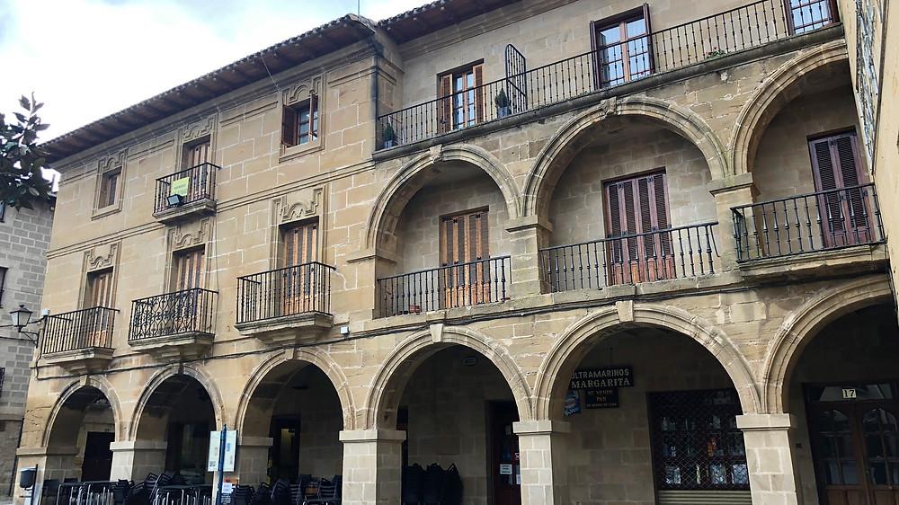 Casa de los Arcos. Briones (La Rioja)