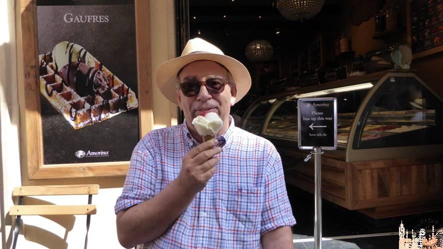 Disfrutando de un helado (La Valeta)