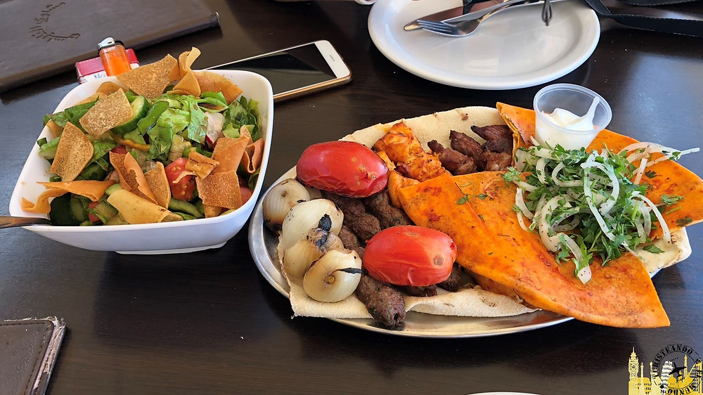 Restaurante en playa de Sidón (Líbano)
