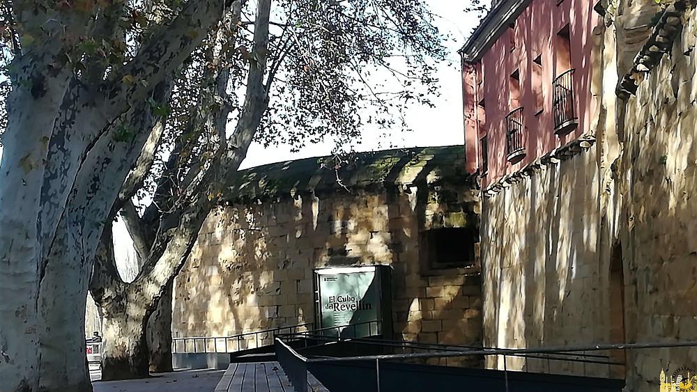 Murallas y cubo del Revellín en Logroño, La Rioja