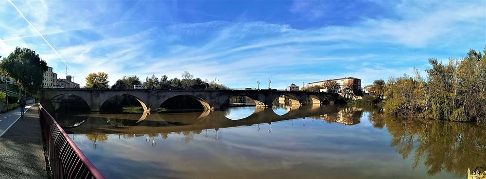 Puente de piedra en Logroño, La Rioja