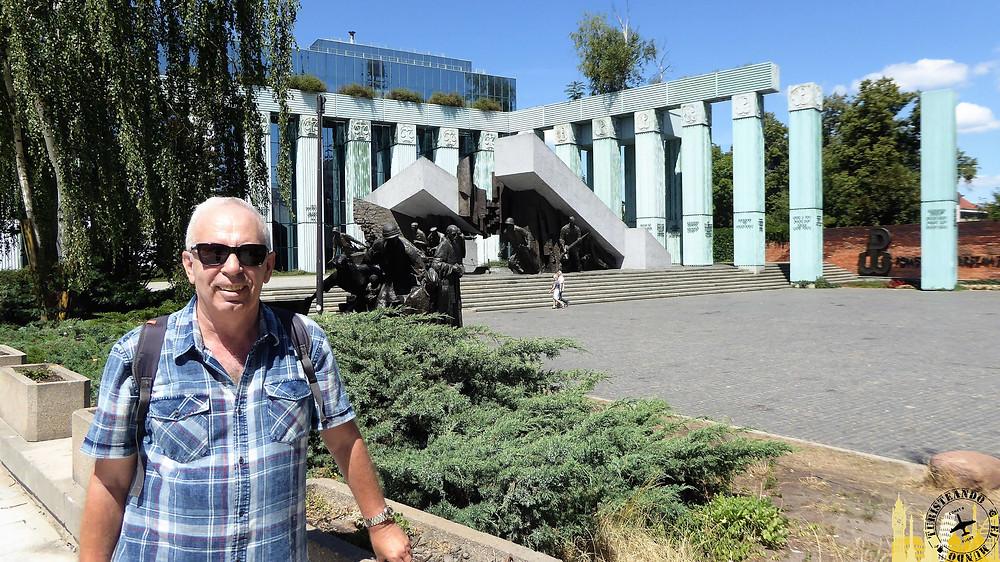 Memorial de los héroes de Varsovia (Polonia)