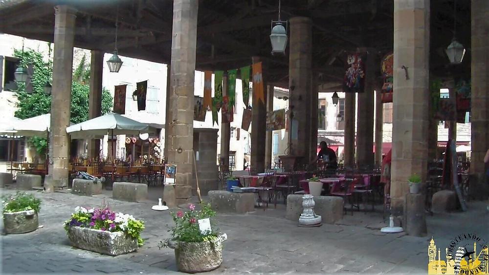 Mercado cubierto. Cordes sur ciel (Francia)