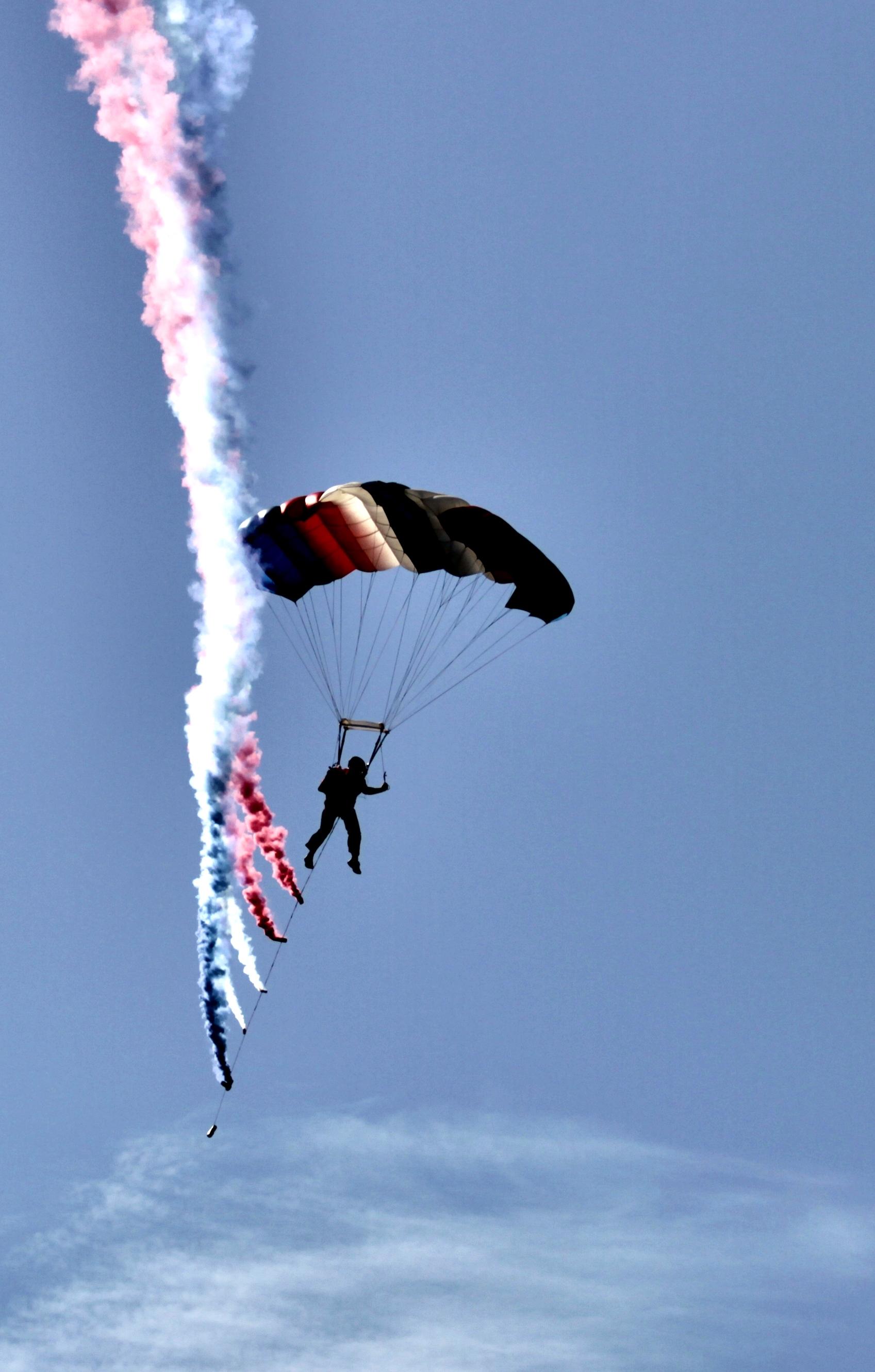 Flag jump skydiver