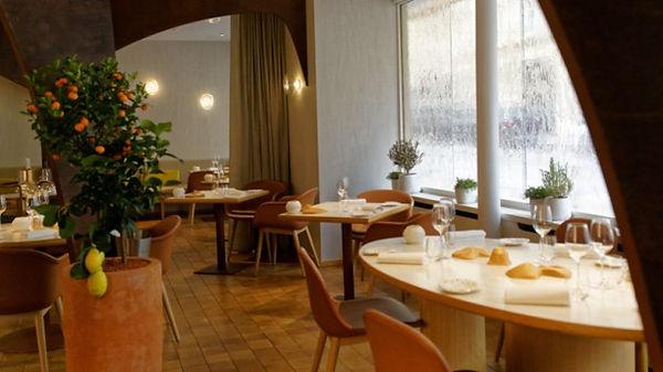 nomicos Restaurant02