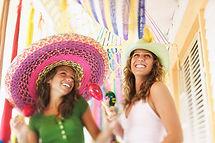 Sombrero niñas, México, maracas, fiesta