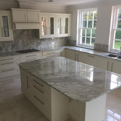Traditional Shaker Stone Splashback
