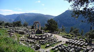 Delphi,_Greece.jpg