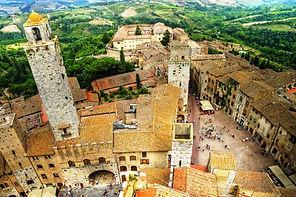 san-gimignano-view-piazza-cisterna tusca