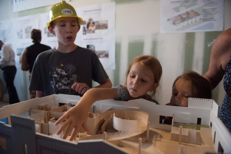 Children explored a 3D model of the Museum, created by O'Neill McVoy Architects