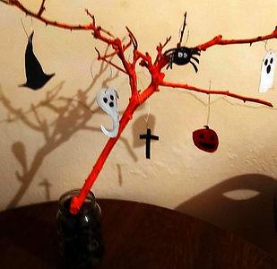 Scary Tree - Rosemarie Langtry LR.jpg