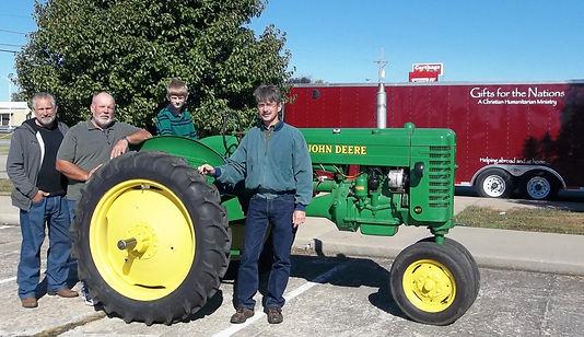 Tractor JD MT  509.jpg