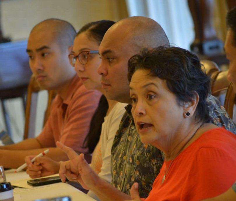 Lou Leon Guerrero meets with Guam Legislature