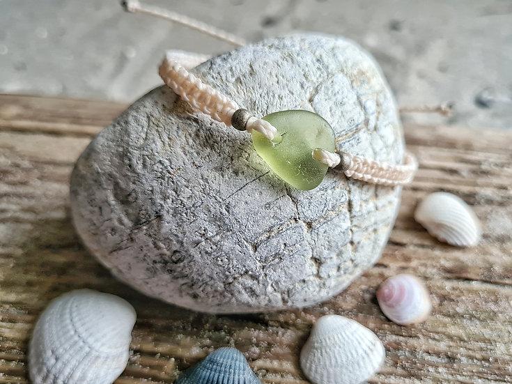 Makramee Armband Seeglas zartes grün
