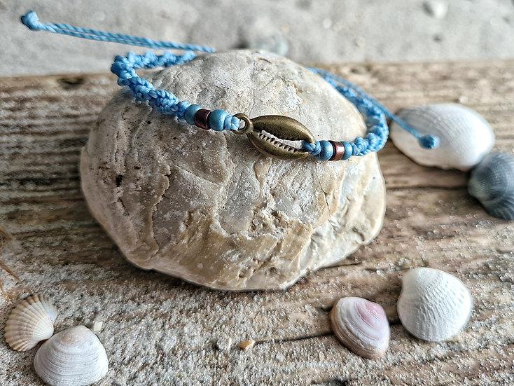 Makramee Armband Kaurimuschel blau