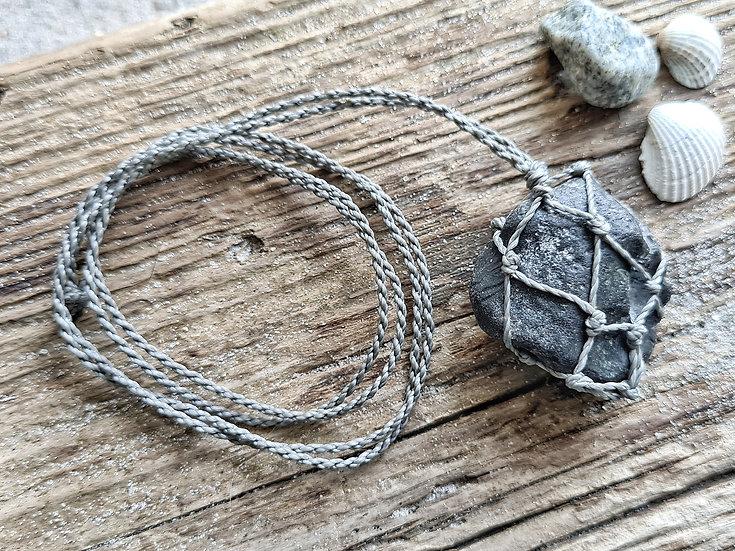 Feuerstein im Fischernetz Kette