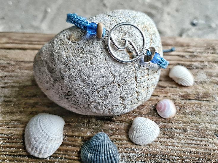Makramee Armband Welle hellblau