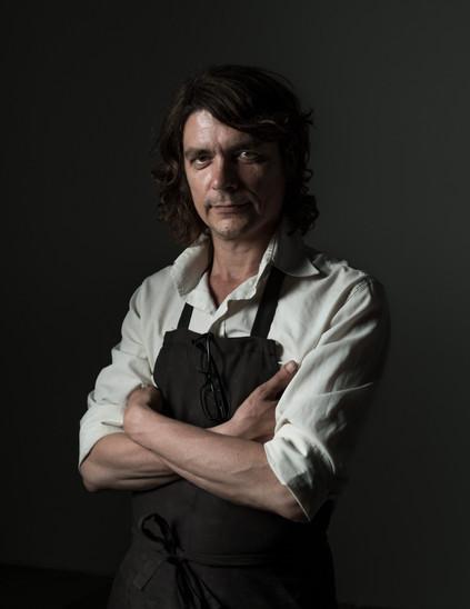Alexander Graf Fotografie & Grafik Wuppertal Fotograf Portrait Dirk Arndt Astwerk Rembrandt Künstlerportrait