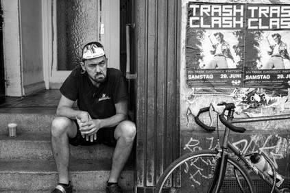 Alexander Graf Fotografie & Grafik Wuppertal Fotograf Portrait Fahrradkurier Olli