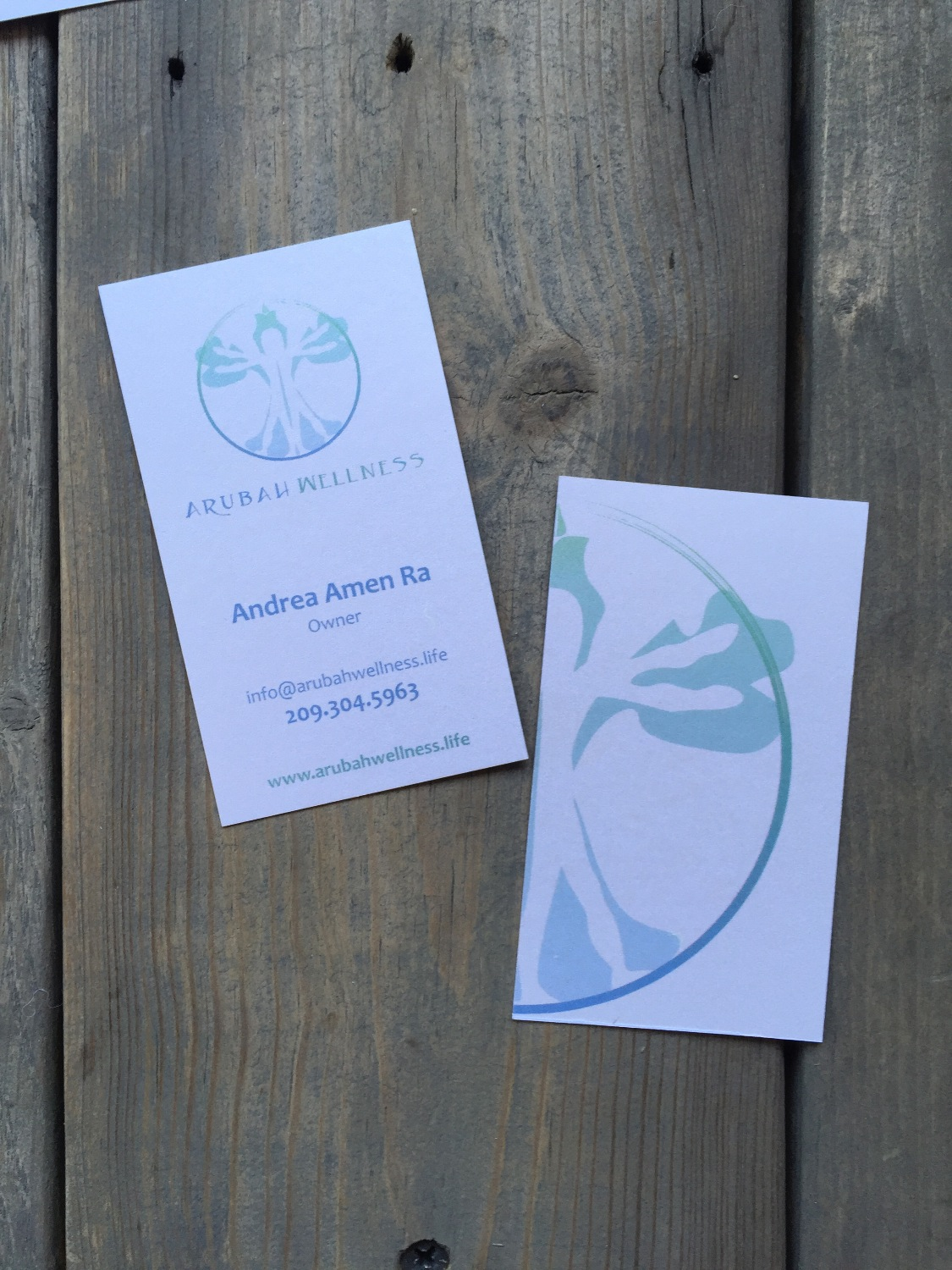 Arubah Wellness pearl finish business cards