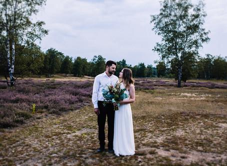 Romantisches After Wedding Shooting Bohostyle in der Heide um Münster & Hundeliebe