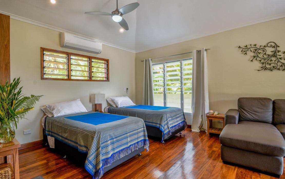 surf-getaways-vanuatu-share-room.jpg