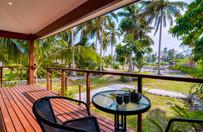 surf-getaways-vanuatu-balcony.jpg