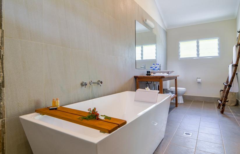 surf-getaways-vanuatu-bathroom.jpg