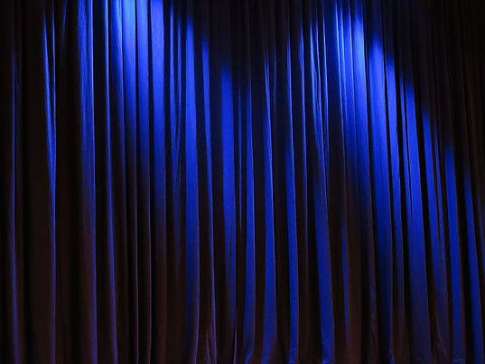 curtain-theater-velvet-blue-vorührung.jp