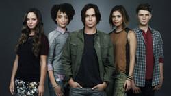 "ABC Family ""RAVENSWOOD"""