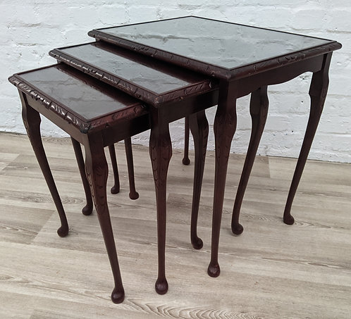 Queen Anne Style Nest Of Tables