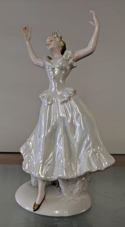 Uniart porcelain figurine of a dancing lady