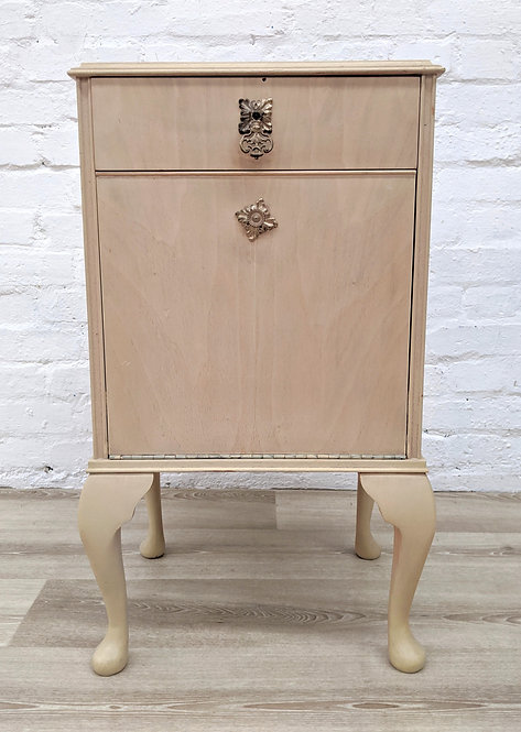 Queen Anne Style Bedside Cabinet